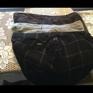 3 threat sale - 3 O'neill dress /golf shorts
